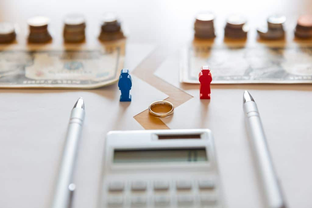 Deciding between binding financial agreements or consent orders for separations & divorce - Melbourne law studio